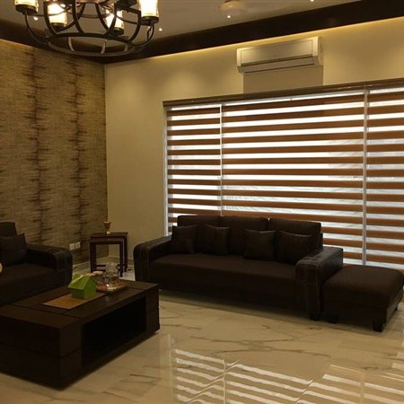 zebra-blinds in lounge